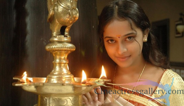 Telugu actrees sri divya latest photo